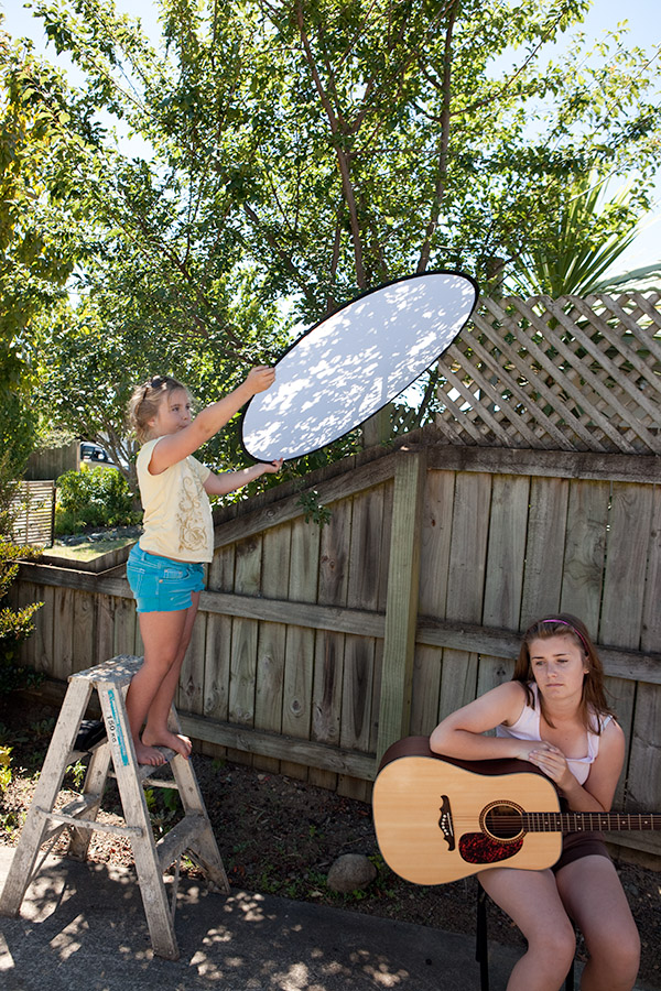 Collapsable light diffusers and reflectors